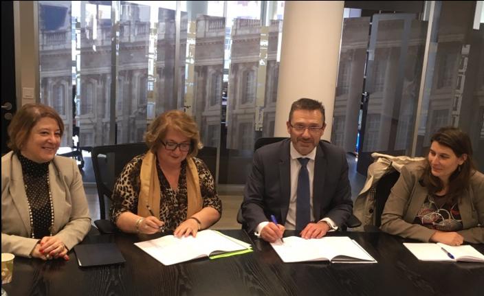 De gauche à droite : Mme BRINGAS Vice-présidente FR-CIDFF, Mme DUBOIS Présidente FR-CIDFF, Mr TOUBEAU Directeur régional Pôle emploi, Mme BUFFETEAU Directrice régionale Droits des Femmes et Egalité